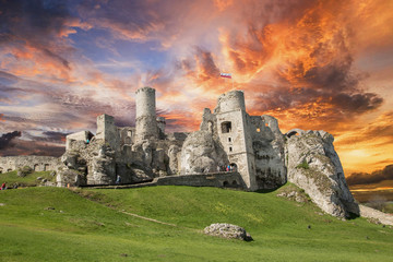 Ruiny Zamku Ogrodzieniec.Poland Fototapete
