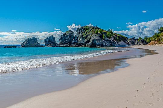 The idyllic sandy beach at Horseshoe Bay on the island of Bermuda