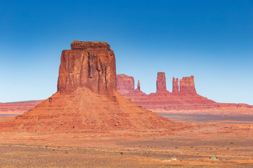 Papiers peints Corail Monument Valley on a sunny day