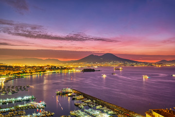Foto op Plexiglas Napels Dramatic sunrise in Naples with Mount Vesuvius in the back