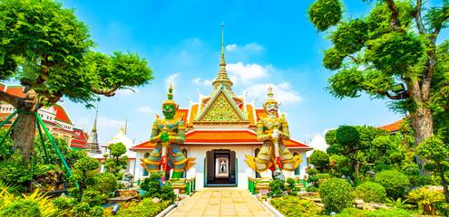 Wall Mural - Wat Arun temple, Bangkok