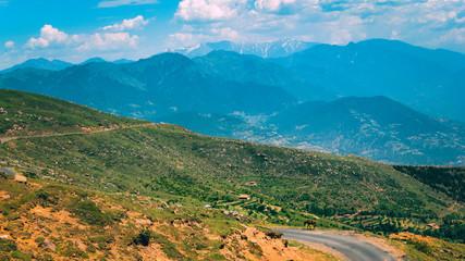 Printed kitchen splashbacks Khaki view of a mountain landscape