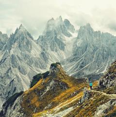 Wall Mural - Abenteuer in den Bergen