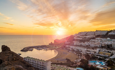 Wall Mural - Amazing landscape with sunset at Puerto Rico village and beach on Gran Canaria, Spain