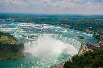 Papiers peints Cascades Landscape of the beautiful Niagara waterfalls in Canada