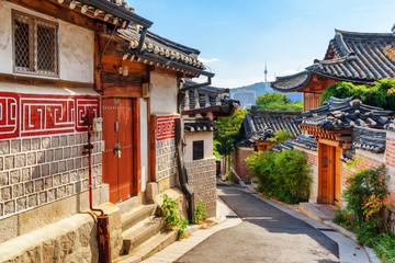 Fotobehang Seoel Wonderful view of narrow street and traditional Korean houses