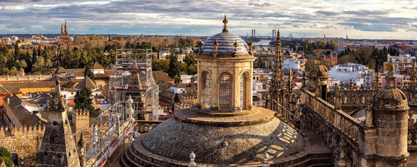 Panoramic View on Cathedral and Sevilla from former Minaret La Giralda, Spain Fototapete