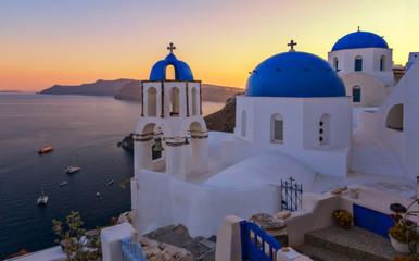 Fotorollo Santorini Kirche in Santorini beim Sonnenuntergang