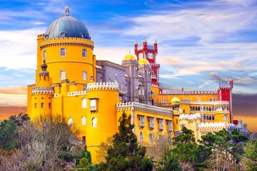 Castle from fairy tale - beautiful Pena Palace in Sintra, Portugal Fototapete