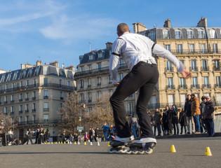 Roller skate, skater, paris, rue, freestyle, style libre, slalom, figure