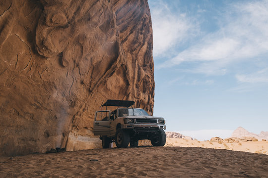 A typical 4-wheeler jeep in Wadi Rum desert during lunch time