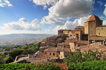 Foto op Canvas Toscane View over the rooftops of Volterra, Province of Pisa, Region of Tuscany, Italy, Europe.
