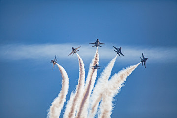 usaf f16 jets flying at airshow