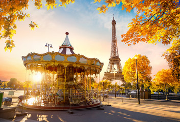 Fototapete - Carousel in autumn