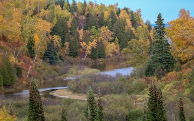 Gooseberry River on a sunny Autumn day