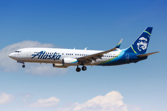 Alaska Airlines Boeing 737-800 airplane