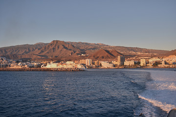Photo sur Aluminium Pôle waves generated by the ship sailing from the island of Tenerife