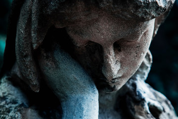 Fototapete - Ancient statue of woman on tomb as a symbol of depression, pain and sorrow. Horizontal photo.