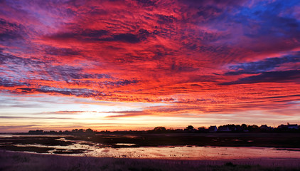 Foto auf AluDibond Koralle Sunrise in Sillon de Talbert coast. Brittany