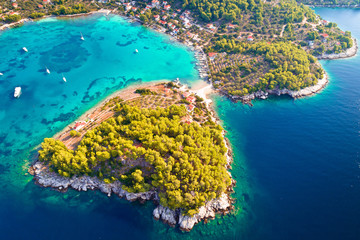 Stores à enrouleur Cote Aerial view of Gradina bay on island Korcula