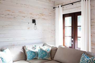 Beach Style Living Room Decor