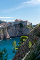 Cidade de Dubrovnik na croácia e o forte Lovrijenac visto por fora. Onde foi gravado Game of Thrones, king's landing