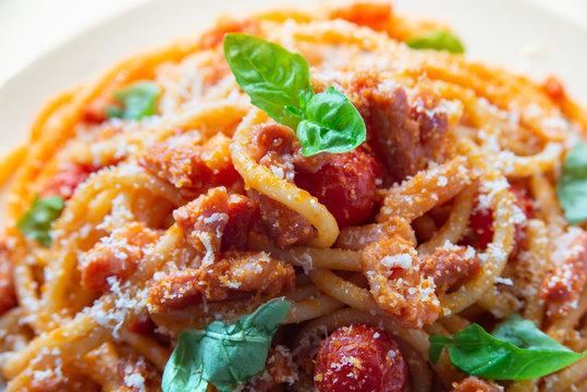 Bucatini all'amatriciana, Cucina Italiana
