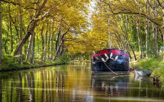 the canal du midi in autumn near Toulouse