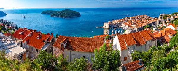 Aerial panorama of Old Port and historical center of Dubrovnik with a view to the Lokrum island, Croatia Fototapete