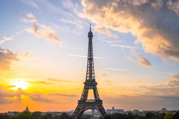 Foto auf Leinwand Eiffelturm Eiffel Tower at sunrise