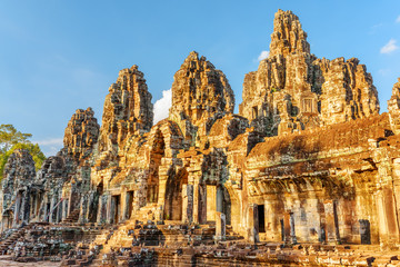Fototapete - Amazing view of Bayon temple in Angkor Thom, Cambodia