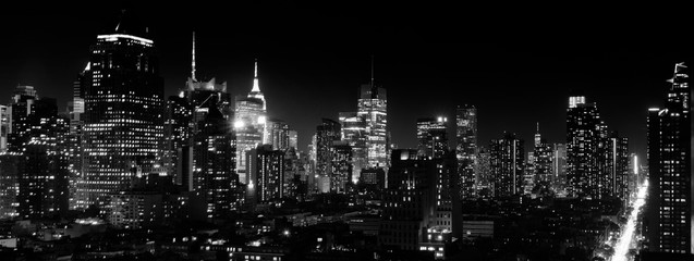 Aluminium Prints New York Panoramic night view of Midtown Manhattan and Hell's Kitchen, black and white