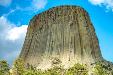Fototapete - Devil's Tower National Monument in Wyoming, U.S.A. Amazing view on a beautiful summer afternoon
