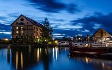 Neustrelitz Stadthafen Blaue Stunde