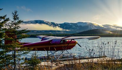 Foto op Plexiglas Bleke violet Yukon River Sunset in Whitehorse