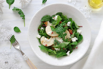 Pear salad with arugula, babyleaves ,cottage cheese, and walnut