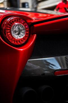 Unpaired vehicle taillight
