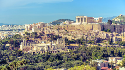 Fototapete - Athens cityscape, Greece. Acropolis with famous Parthenon. It is top landmark of Athens. Urban landscape of old Athens with classical Greek ruins. Scenic panorama of remains of ancient Athens city.