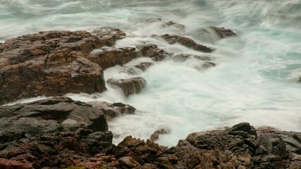 Effetto seta dell'acqua sulle rocce