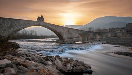 Ponte gobbo sul fiume Trebbia a Bobbio