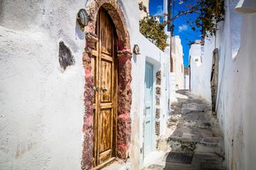 Foto auf AluDibond Santorini Streets of Santorini island. Architectural details. Greece