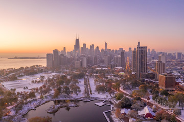 Fototapete - Chicago downtown buildings skyline fall foliage aerial drone
