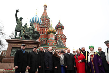 Russian President Putin and religious leadersattend a ceremony marking the National Unity Day in Moscow