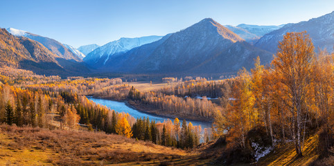 Wall Mural - Katun river valley in the Altai mountains. Picturesque autumn view, indian summer.