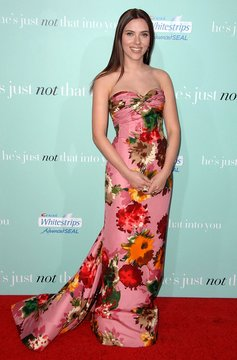 HE'S JUST NOT THAT INTO YOU Premiere