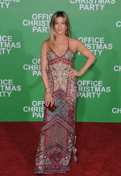 OFFICE CHRISTMAS PARTY Premiere