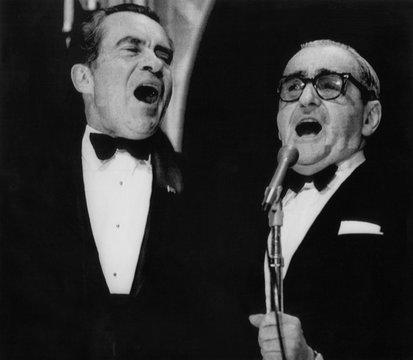 Nixon Presidency. US President Richard Nixon singing 'God Bless America' with Irving Berlin at