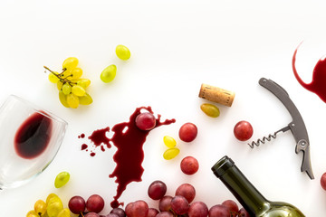 Wine taste and different types of wine grapes, close-up