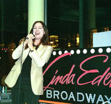 Linda Eder singing at in-store appearance at Barnes & Noble