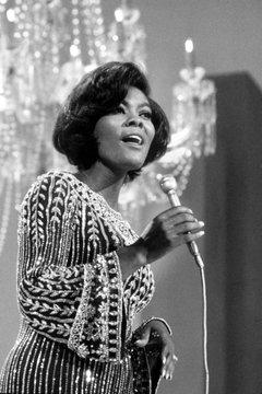 Dionne Warwick around 1970